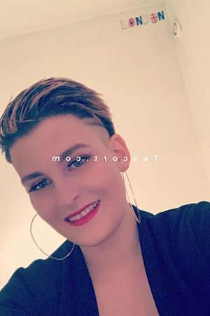 Filippa club échangiste massage escort girl